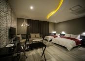 Suite 810