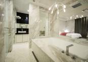 Suite 808